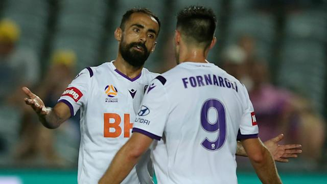 Perth Glory's good form continued with a convincing victory away to Central Coast Mariners on New Year's Eve.