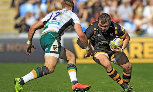 "<span class=""element-image__caption"">Matt Mullan, right, seen here taking on Harry Mallinder in April's 32-30 win over Northampton Saints, says Wasps are all proud of their long undefeated home record.</span> <span class=""element-image__credit"">Photograph: Seconds Left/Rex/Shutterstock</span>"