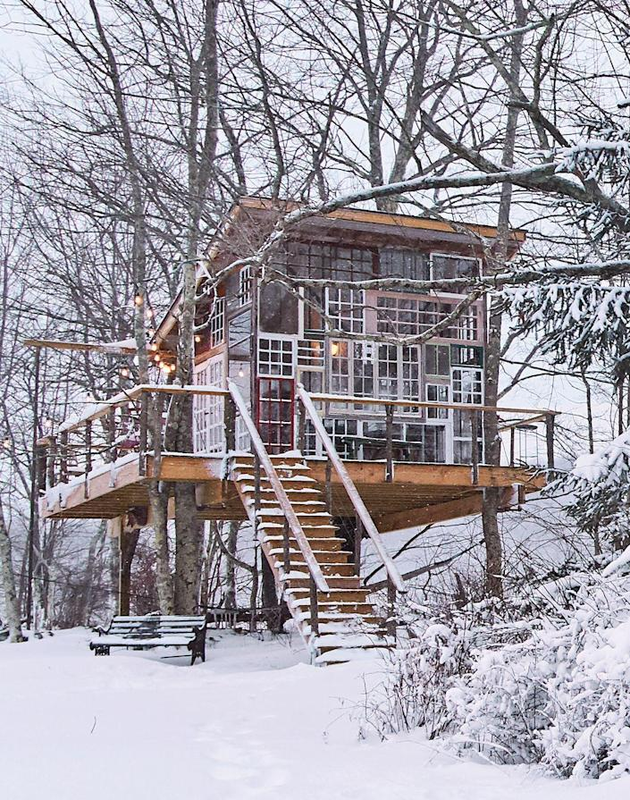 """<p>This upstate New York picturesque perch, owned by <em>Treehouse Masters'</em> Christina Salway, is constructed from roughly 75 salvaged windows.</p><p><a class=""""link rapid-noclick-resp"""" href=""""https://www.amazon.com/Tiny-House-Living-Building-Square/dp/1440333165/?tag=syn-yahoo-20&ascsubtag=%5Bartid%7C10072.g.35047961%5Bsrc%7Cyahoo-us"""" rel=""""nofollow noopener"""" target=""""_blank"""" data-ylk=""""slk:SHOP TINY HOUSE BOOKS"""">SHOP TINY HOUSE BOOKS</a></p>"""