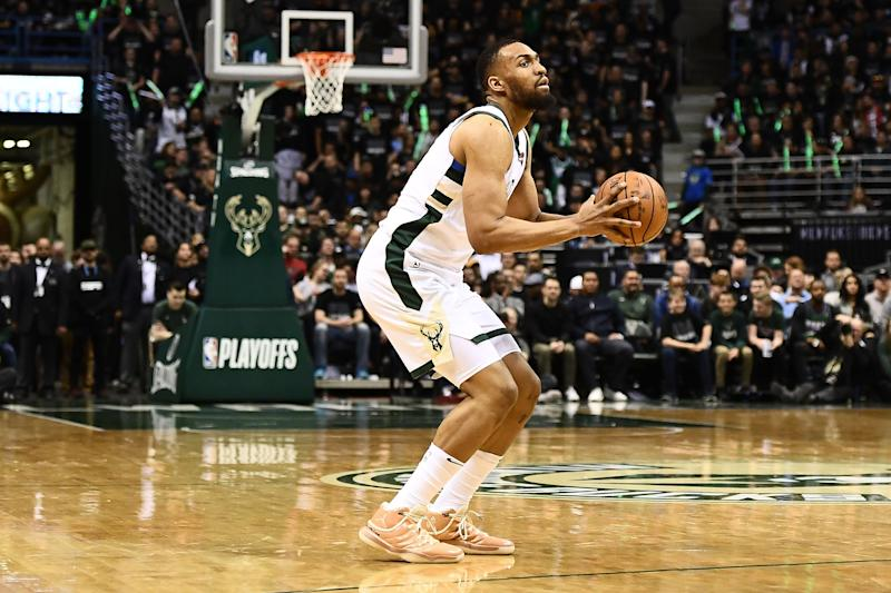 After help from Bucks, Parker signs with Bulls