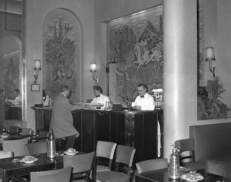 The Ritz bar pictured in 1961