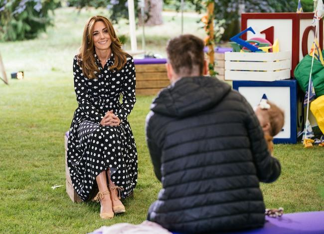kate-middleton-tiny-happy-people