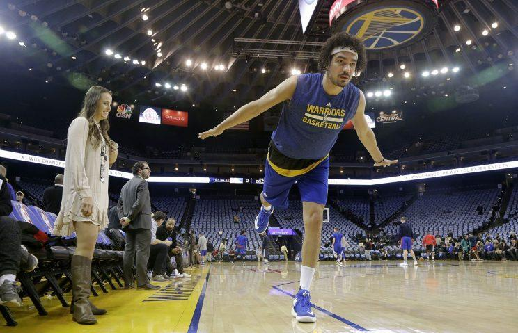 Anderson Varejao is a crane, and he's flying. (AP)