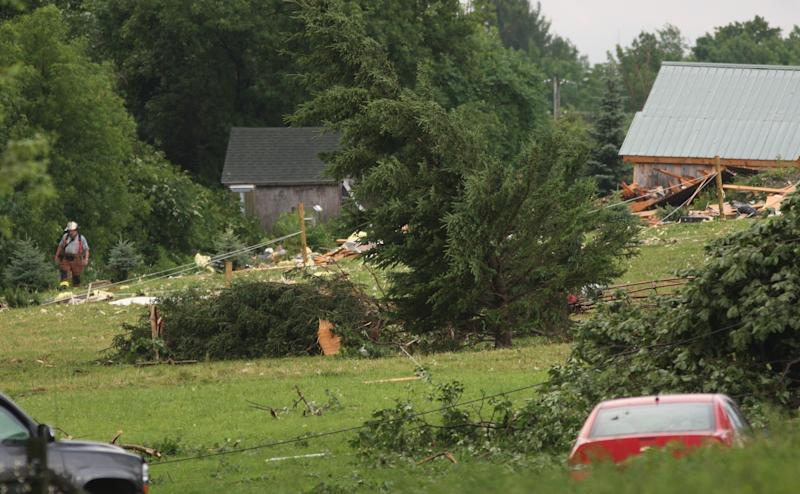 Storms leave 5 dead, 200K without power in East