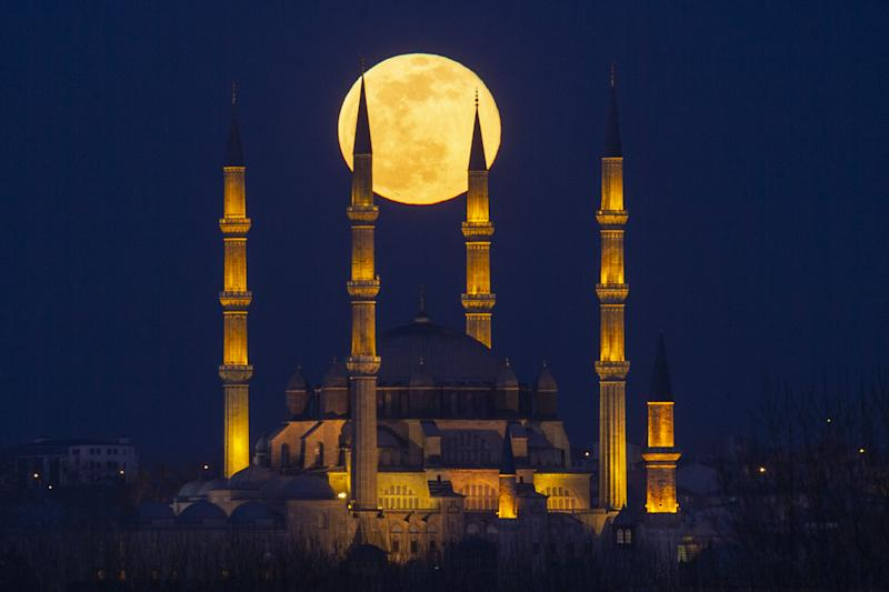 The next Supermoon, depicted in 2019 from Edirne, Turkey, will appear on March 9, 2020. (Photo: Gokhan Balci/Anadolu Agency via Getty Images)