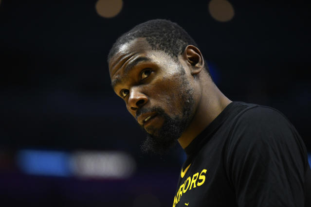 """<a class=""""link rapid-noclick-resp"""" href=""""/nba/players/4244/"""" data-ylk=""""slk:Kevin Durant"""">Kevin Durant</a>'s response to a heckler was a prime example of why opposing fans target him to begin with. (Getty)"""