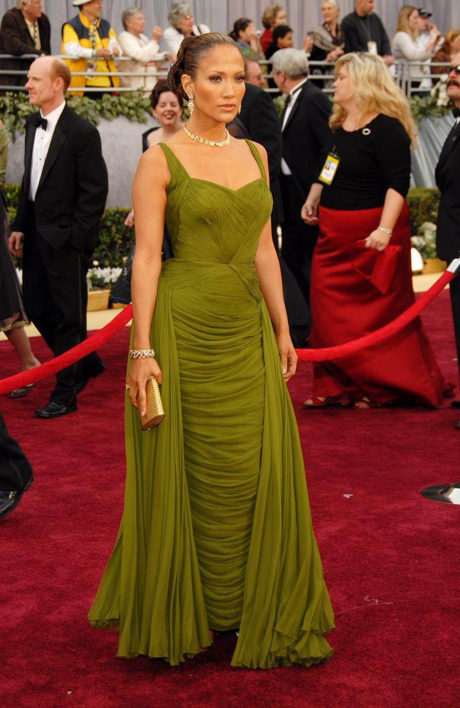 <p><strong>When: </strong>March 2006</p><p><strong>Where: </strong>The Academy Awards</p><p><strong>Wearing: </strong>Jean Desses</p>