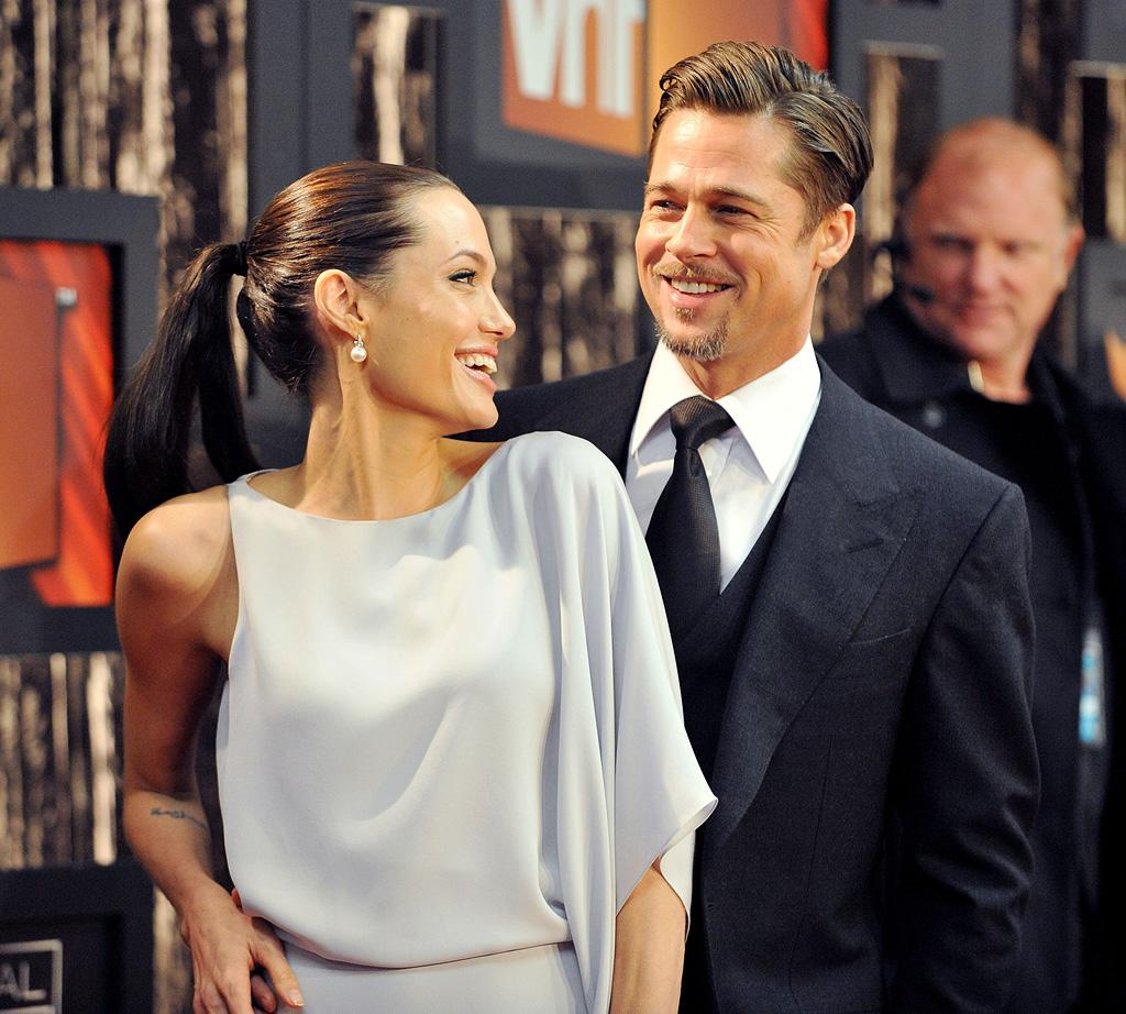 "<a href=""http://movies.yahoo.com/movie/contributor/1800019275"">Angelina Jolie</a> and <a href=""http://movies.yahoo.com/movie/contributor/1800018965"">Brad Pitt</a> at the 14th Annual Critics' Choice Awards in Santa Monica - 01/08/09"