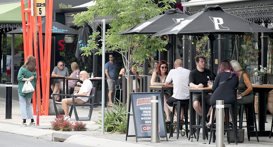 Diners can be seen eating out on King William Road, Hyde Park on November 22 in Adelaide after lockdown restrictions across South Australia were lifted on Sunday. Source: Getty