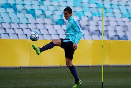 Football Soccer - 2018 World Cup Qualifiers - Australia Training - Sydney, Australia - November 13, 2017. Australian player Tim Cahill plays with a ball during a training session ahead of their World Cup playoff against Honduras. REUTERS/Daniel Munoz