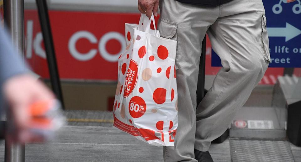About 19 per cent of shoppers are stealing reusable plastic bags from supermarkets including Coles and Woolworths, according to a Canstar Blue survey. Source: File/AAP