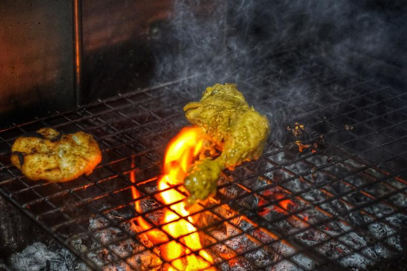 Alimama grilling chicken
