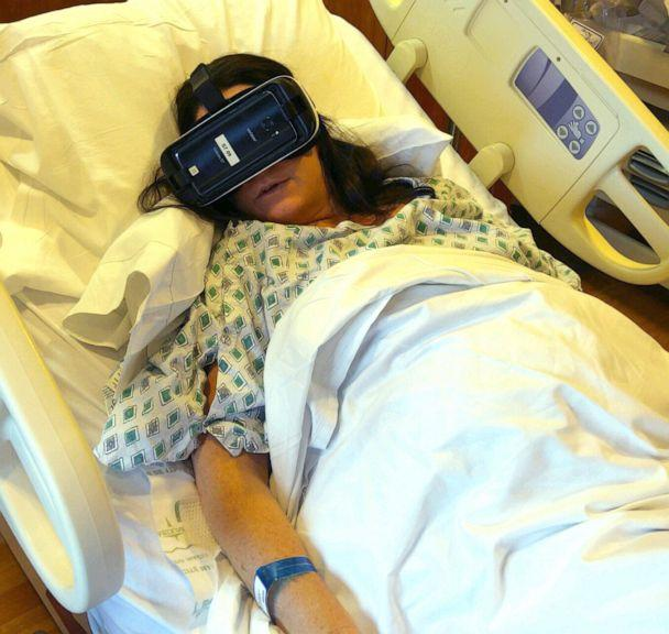 PHOTO: Erin Martucci, of New York, used virtual reality while in labor with her daughter Elizabeth. (Courtesy Michael Martucci)