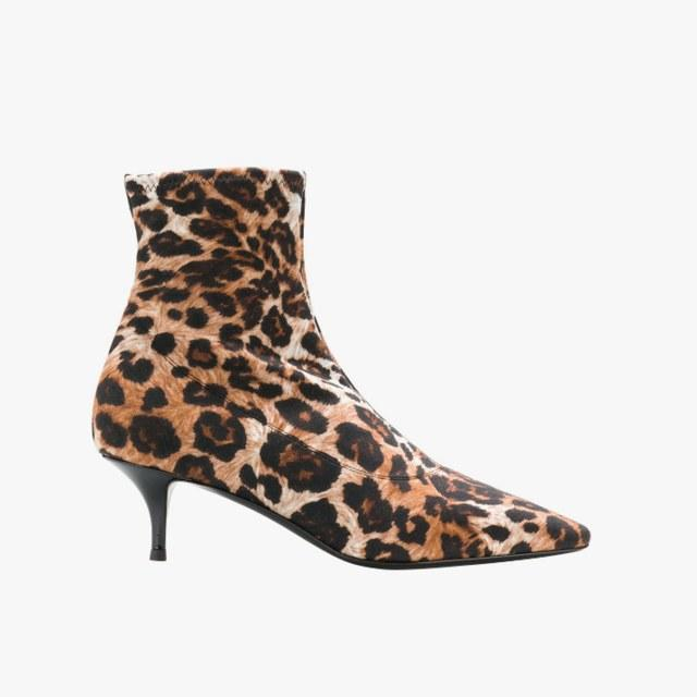 adced97478dd The 7 Celeb-Approved Winter Boots to Try This Winter