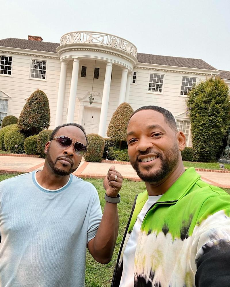 "DJ Jazzy Jeff and Will Smith team up to put the ""Fresh Prince of Bel-Air"" mansion on Airbnb. (Photo: Instagram/Will Smith)"