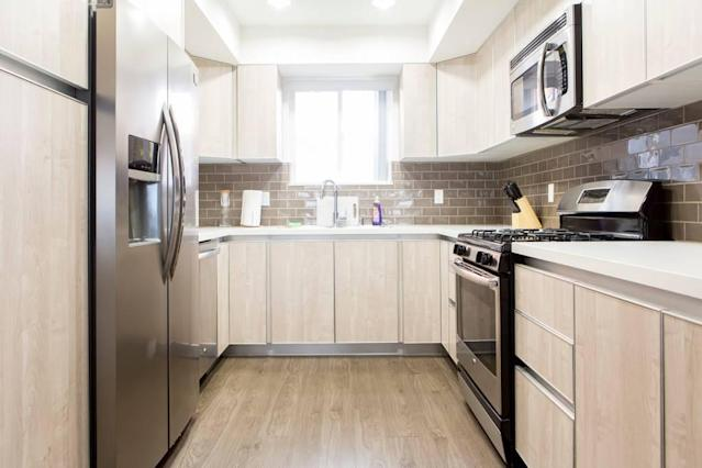 <p>The full kitchen has luxury appliances, ready to help you prepare a feast. (Airbnb) </p>