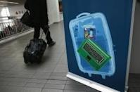 EU, US to discuss possible airline laptop ban