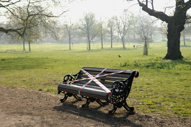 Benches on Clapham Common, which would usually be heaving with families this Easter weekend, have been put out of bounds by Lambeth council.
