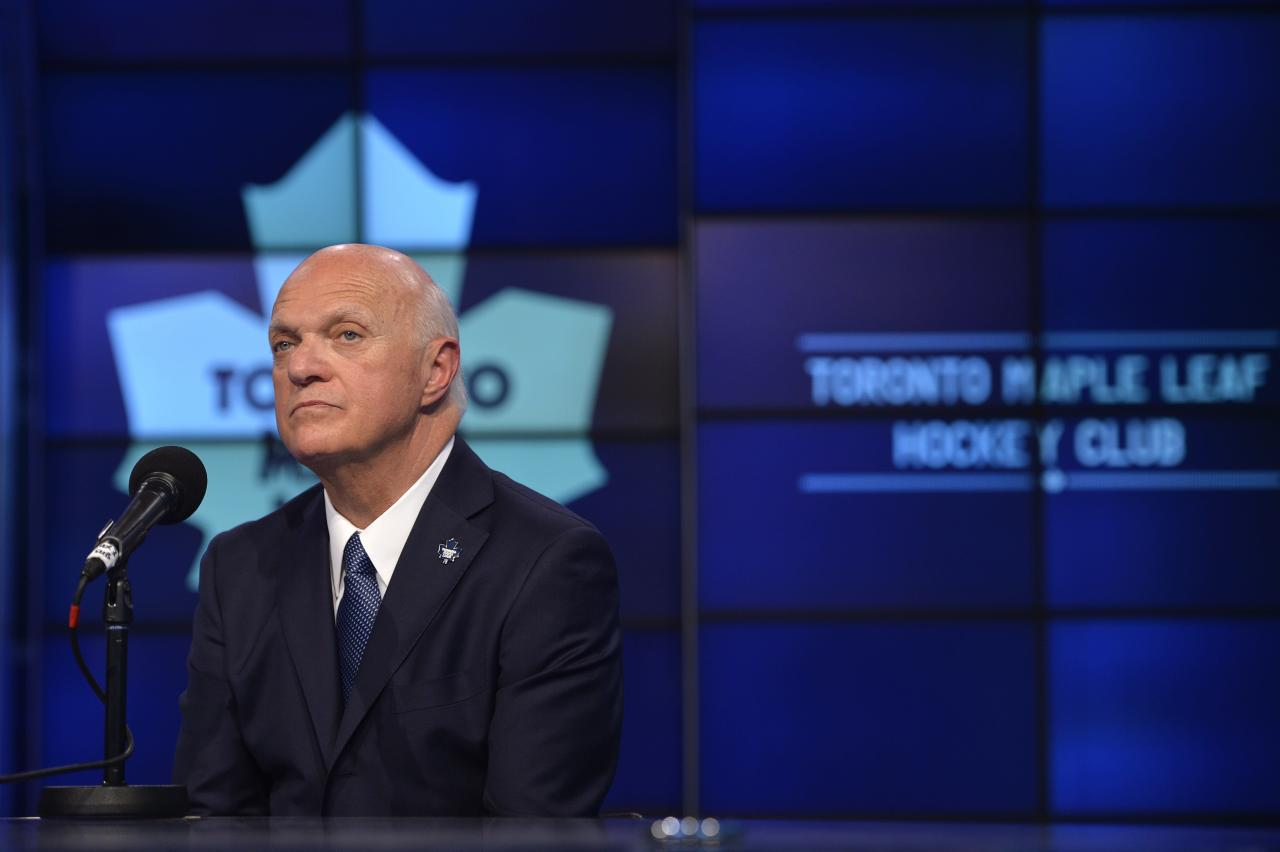 Lou Lamoriello can make salary statement in Jonathan Bernier negotiations