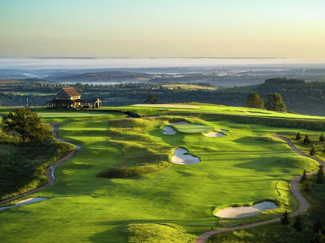 """<div class=""""caption""""> BEST PUBLIC: It gets tricky trying to bounce onto the perched green of the par-4 third at Ozarks National. </div> <cite class=""""credit"""">Evan Schiller/Big Cedar Lodge</cite>"""