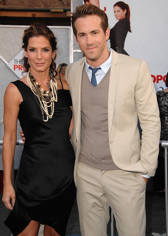 "<a href=""http://movies.yahoo.com/movie/contributor/1800018970"">Sandra Bullock</a> and <a href=""http://movies.yahoo.com/movie/contributor/1800025139"">Ryan Reynolds</a> at the Los Angeles premiere of <a href=""http://movies.yahoo.com/movie/1810012112/info"">The Proposal</a> - 06/01/2009"