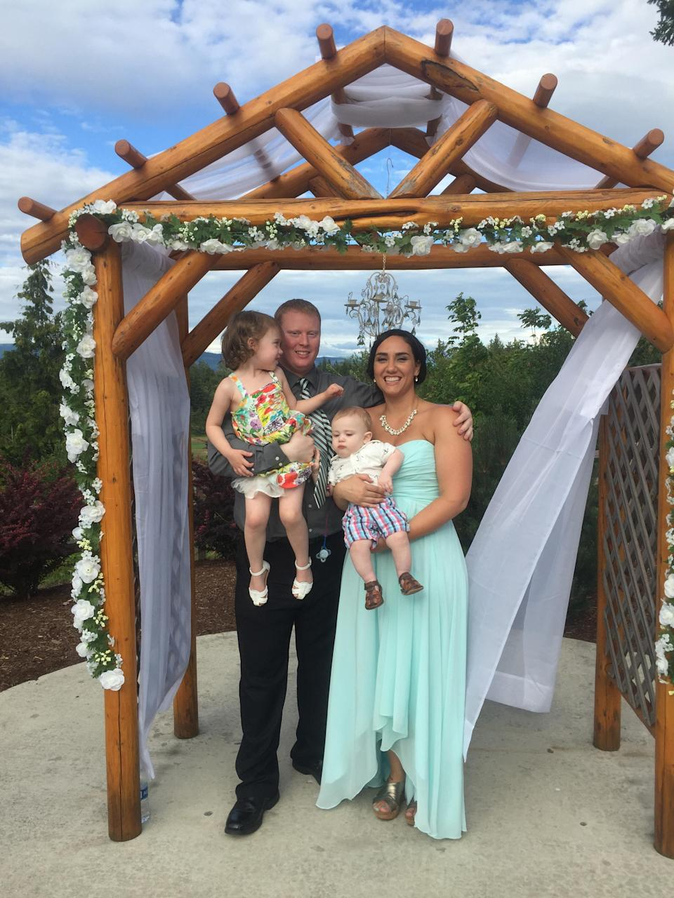 Rachel was shocked at her size in this wedding photo. Photo: Caters News