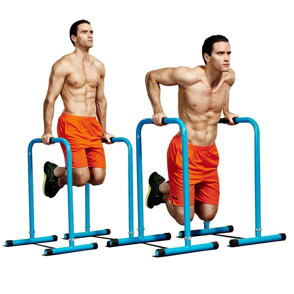 <p>Grab some parallettes or a pair of sturdy chairs, then bend your knees(A). Lower slowly until your elbows are at 90° (B). Now, contract your triceps to push back up to the top. Once you've completed your reps, move straight to the bar in your door frame.<br></p>