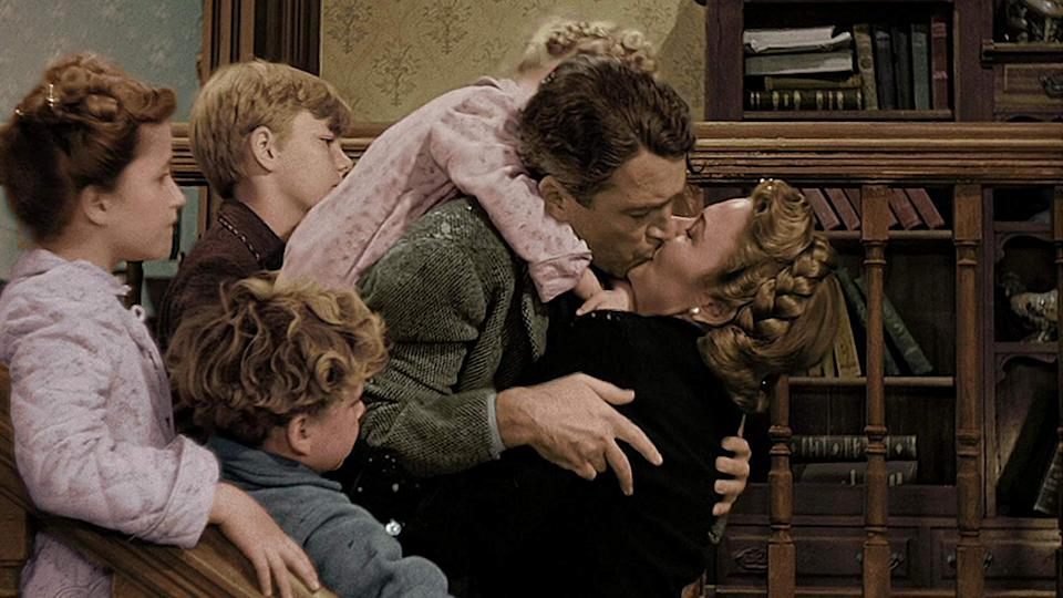 'It's a Wonderful Life' colorized version (Paramount Pictures)