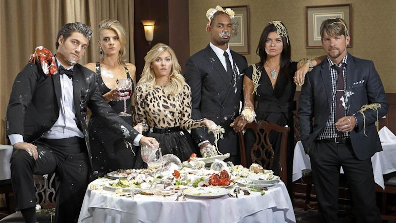 Zach Knighton Says 'Happy Endings' Cast Would 'Love' to Do a Revival (Exclusive)