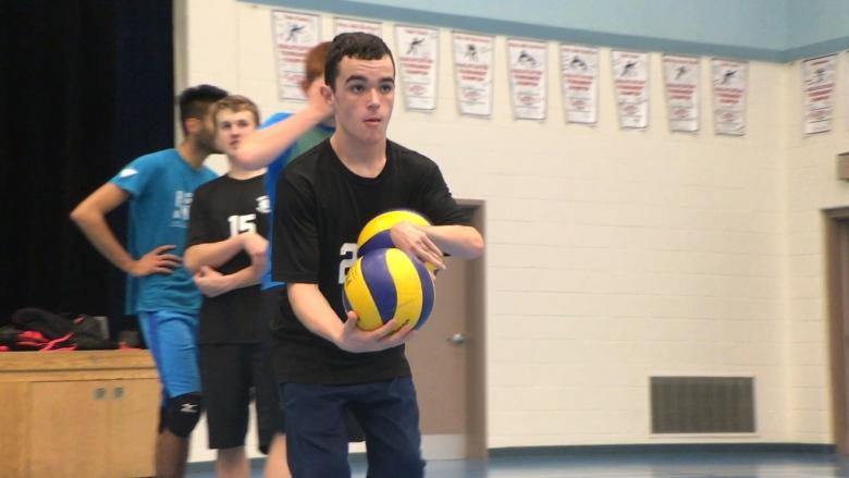 'You have to keep trying': Teen with cerebral palsy on school volleyball team