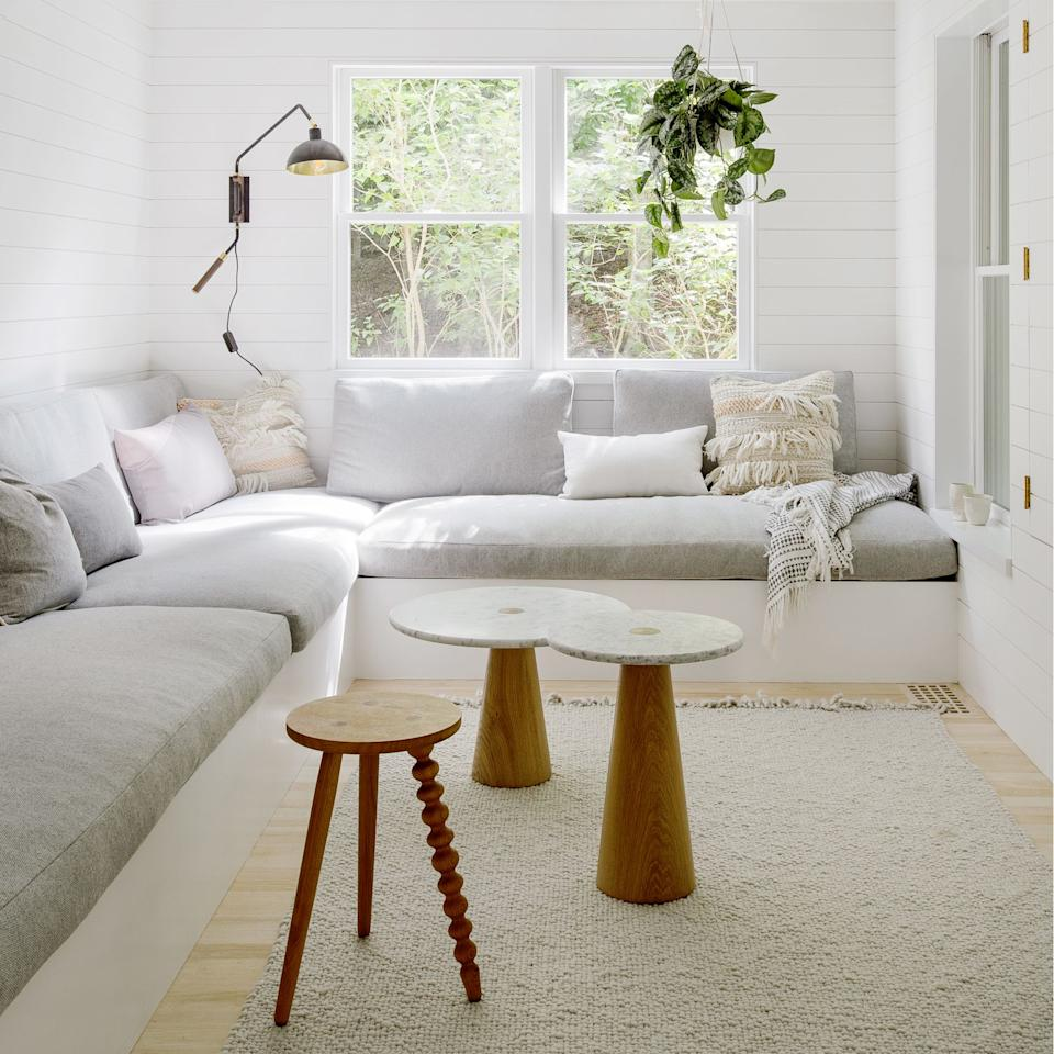 We Dare You To Find Better Small Round Coffee Tables Than These