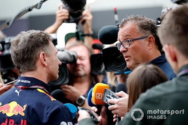 "Christian Horner, director del equipo, Red Bull Racing habla con la prensa <span class=""copyright"">Sam Bloxham / Motorsport Images</span>"