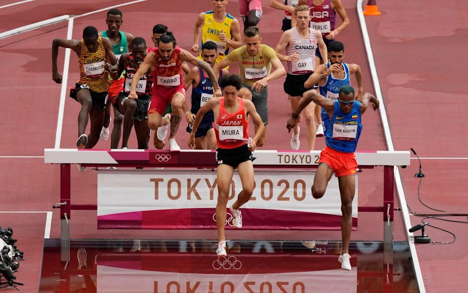 Heat one of the steeplechase - AP