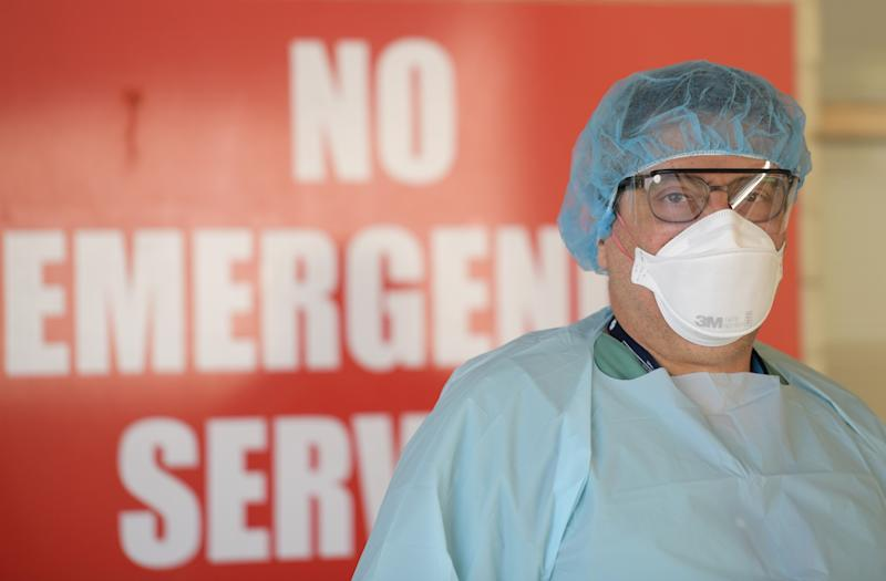 Health staff member in Adelaide to conduct coronavirus testing. Source: Getty Images