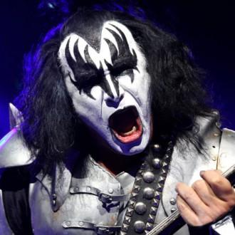 Gene Simmons gets engaged