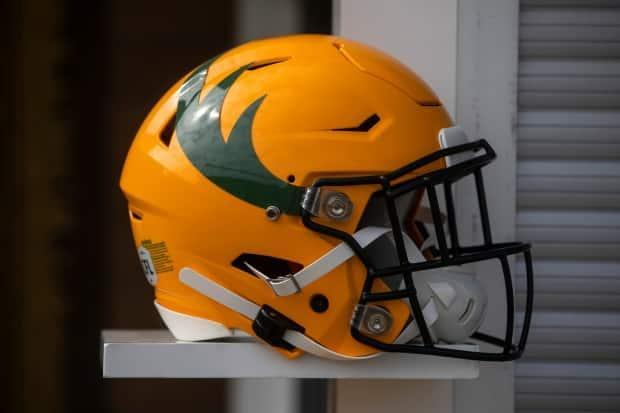 The new helmet features the signature colours and elk horns.