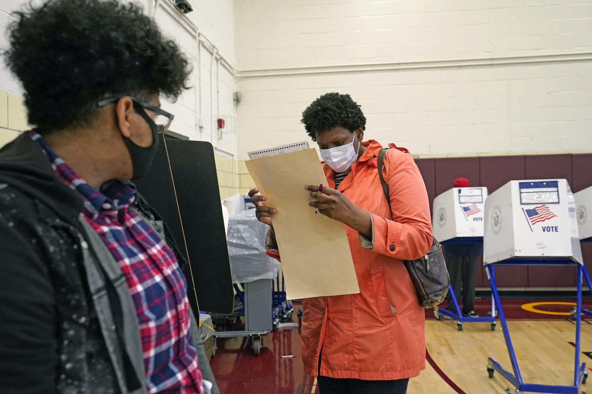 Election 2020: The economy fades as a top voter concern – Yahoo Canada Finance