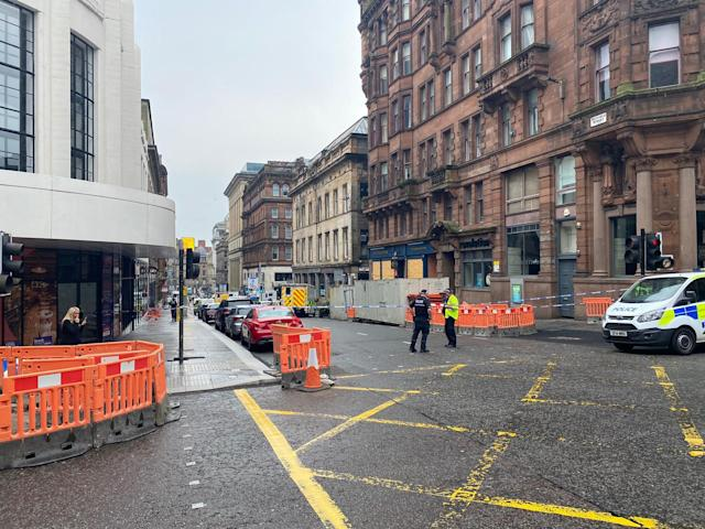 Police have reassured the public that the incident is contained and the wider public is not at risk. (PA/@JATV_scotland)