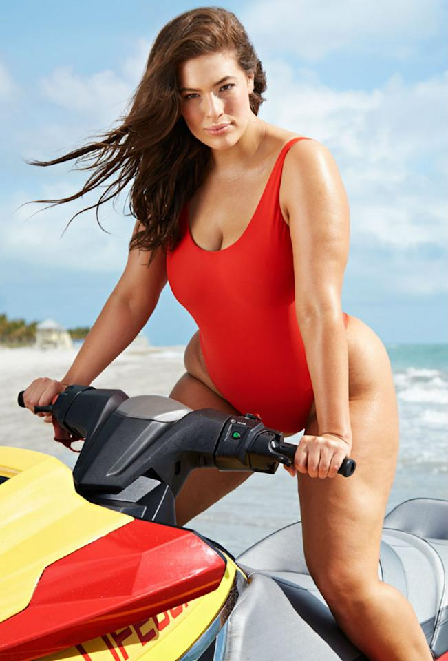 "<p>""Swimsuits For All me dio vida con sus sexys bañadores, que no entienden de edad, figura o talla"", escribió Ashley Graham en Instagram. (Foto: <a rel=""nofollow"" href=""http://www.swimsuitsforall.com/"">Swimsuits For All</a>). </p>"