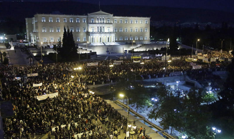Greek protests get violent ahead of austerity vote