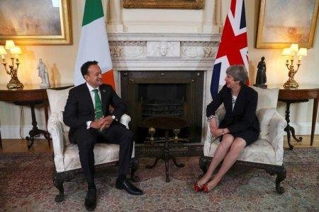 FILE PHOTO: Britain's Prime Minister Theresa May welcomes Ireland's Taoiseach Leo Varadkar to Downing Street in London, September 25, 2017. REUTERS/Hannah McKay