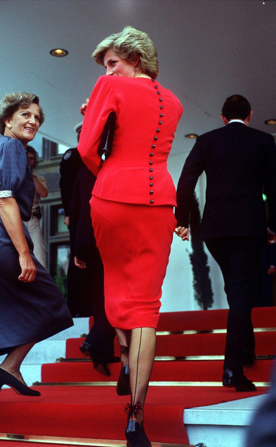<p>From the front, Diana's pantyhose appeared to be all business. From the back, a thin black line and bow at the heel adds a touch of whimsy.</p>