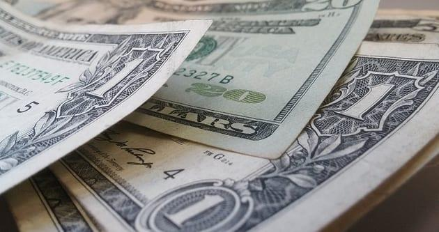 Dollar Edges Higher Following Q2 US GDP Release