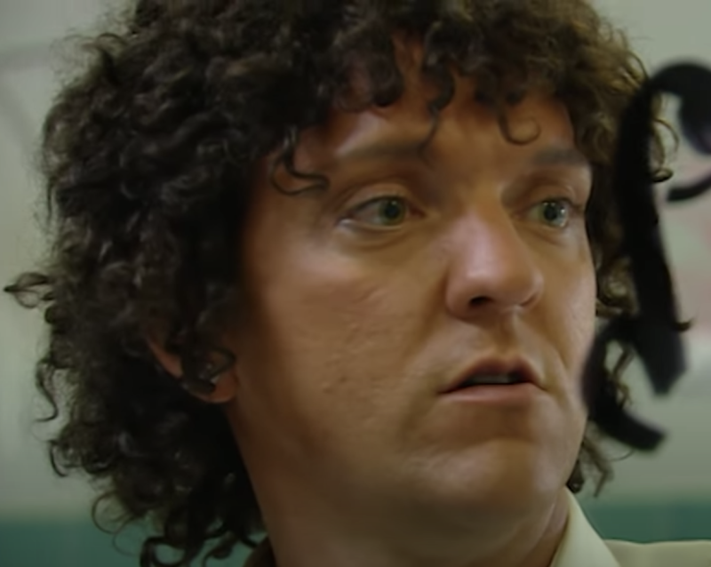 Chris Lilley uses brownface to portray Jonah Takalua in two of his programs. Source: YouTube/Chris Lilley