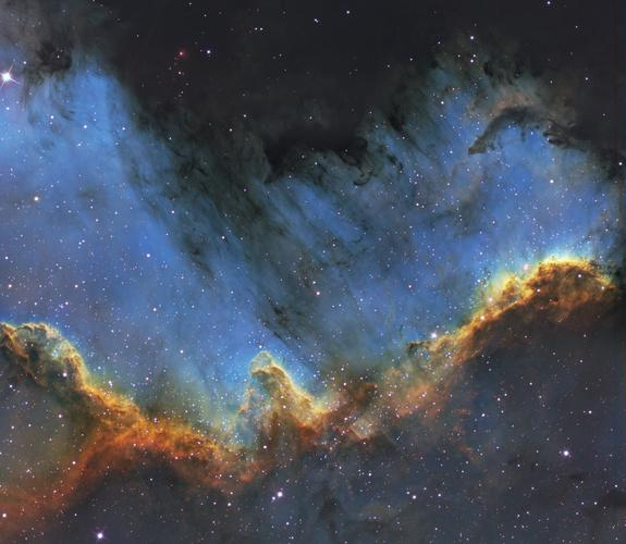 Stunning Photo of Cosmic 'Cygnus Wall' Captured by Amateur Astronomer