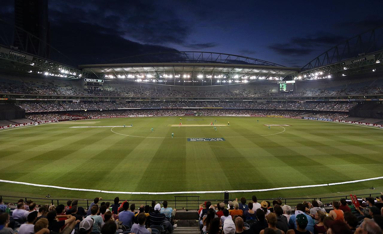 MELBOURNE, AUSTRALIA - DECEMBER 07:  A general view during the Big Bash League match between the Melbourne Renegades and the Melbourne Stars at Etihad Stadium on December 7, 2012 in Melbourne, Australia.  (Photo by Michael Dodge/Getty Images)