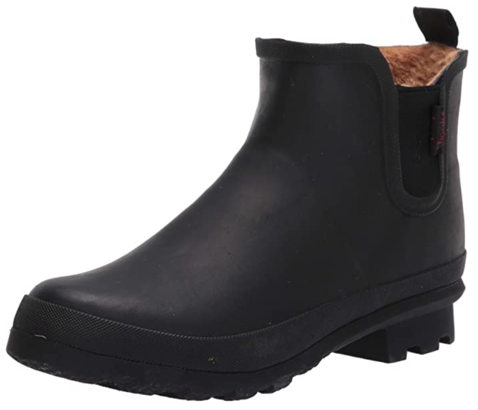 Chooka Women's Waterproof Plush Chelsea Boot in Black (Photo via Amazon)