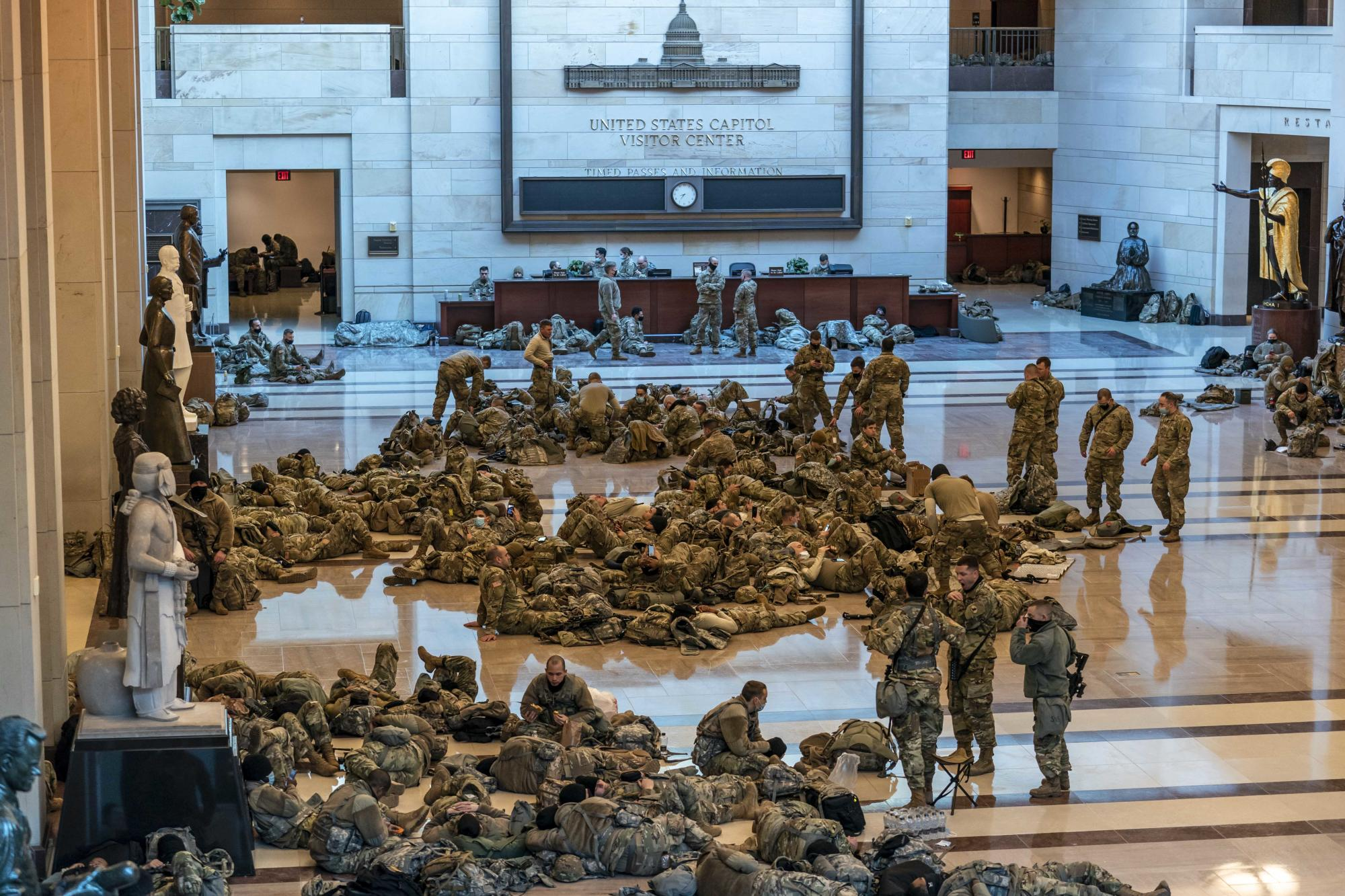 Democrats urge Army to send cots for troops sleeping in Capitol