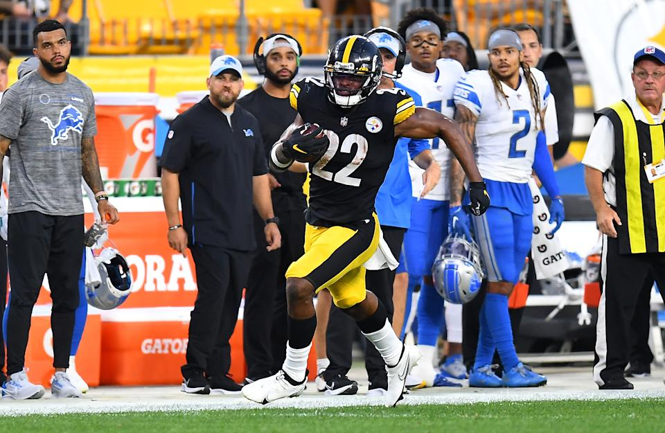 PITTSBURGH, PA - AUGUST 21:  Najee Harris #22 of the Pittsburgh Steelers rushes for a first down during the first quarter against the Detroit Lions at Heinz Field on August 21, 2021 in Pittsburgh, Pennsylvania. (Photo by Joe Sargent/Getty Images)