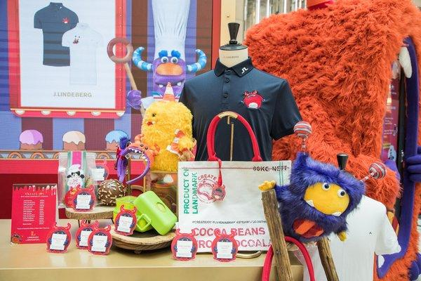 LANDMARK has created a range of exclusive festive merchandise, including adorable Cocoa Monster plush toys, festive tote bags featuring the loveable characters, key chains, and much more. All are available for purchase at LANDMARK ATRIUM, with all proceeds going to Make-A-Wish Hong Kong.